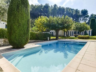 Photo for Beautiful Provencal farmhouse with pool and tennis on the heights of Beausset