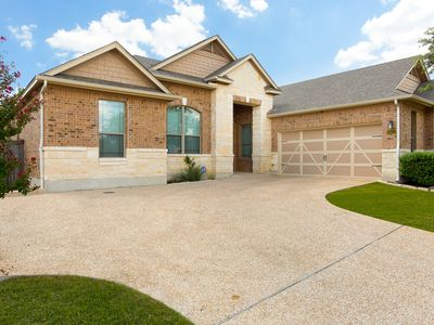 Photo for Family friendly 1-story home minutes from Downtown San Antonio