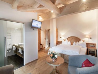Photo for Double room in country house, shower, toilet, balcony - Landhotel Föhrenhof