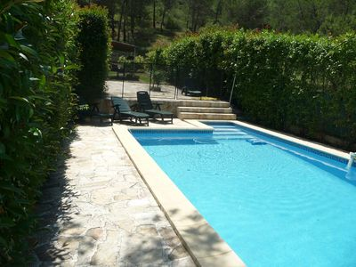 Photo for Apartment well equipped, in a quiet pine forest, swimming pool.