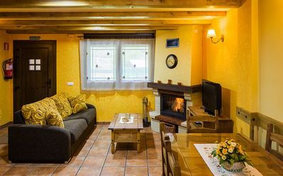 Photo for Rural apartment L'Abiseu for 4 people