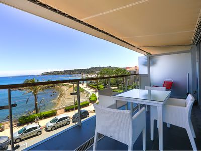 Photo for Apartment right on the seafront in 'Royal Antibes' with beautiful seaview