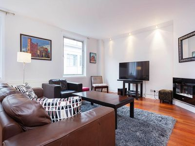 Photo for UP TO 20% OFF - In the Spotlight. - Two Bedroom Apartment, Sleeps 5 - Veeve