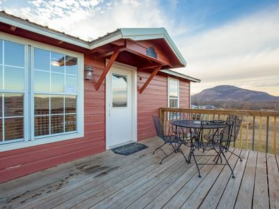 Photo for Panoramic Mountain View Cabin for 5