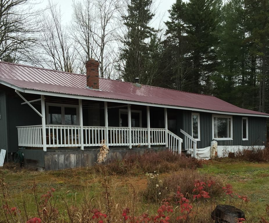 Hunting rental northern maine homeaway for Cabin rentals in maine with hot tub