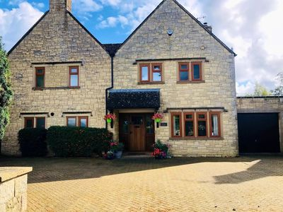 Photo for Luxury, Central, Bourton-on-the-Water sleeps 6-11*