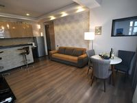 It is a very comfortable apartment located only 3 minute walk from the Liberty square.