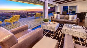 Stay On Top! Close to Old Town Scottsdale, City Light Views of Phx, Luxury Villa