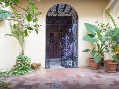 Photo for Apartment in the heart of Seville with Wi-Fi and A / C