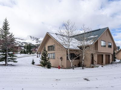 Photo for Ski-in/out condo w/ wood-burning fireplace, mtn views, & close to other sites!