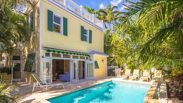 << BAILEY'S MANGO MANSION @ WHITE >> Grand Home & Pool + LAST KEY SERVICES...