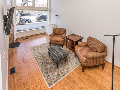 Photo for Charming 2BR 1.5BA Apartment in Mount Vernon - 2MR2