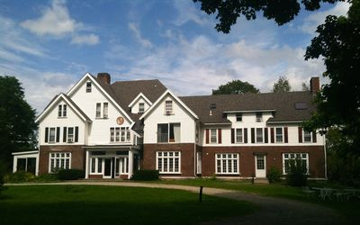 The Battenkill Valley Mansion - 15 bedrooms, 14 bathrooms! 9000 sq feet, 5 acres