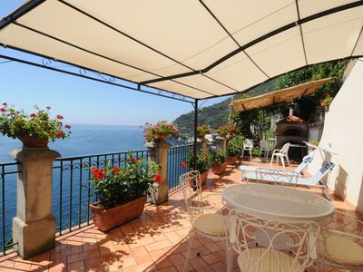 Photo for Romantic cottage,  wide terrace overlooking the sea.