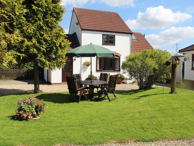 Photo for Rockstone Holiday Cottage is a beautiful property set in the village of Kexby