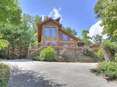 Photo for GREAT MOUNTAIN SETTING, COME ENJOY THE SMOKIES AT STONEWOOD LODGE!