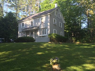 Charming 2 Bedrooom Guest House on 2 acres  North Conway Village.