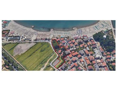 Photo for ON THE BEACH !  House and large park.  SEE PHOTO!