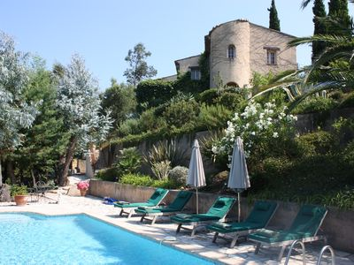 Photo for Beautiful Provencal Villa in Idyllic Setting on the Edge of a Hilltop Village