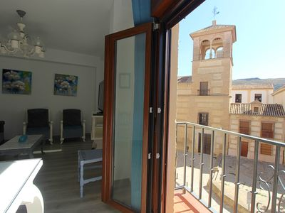 Photo for PLAZA LAS DESCALZAS. Bright house, very cozy, simple and comfortable.