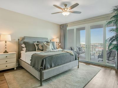Photo for Laketown Wharf 834! Stunning 3 BD, Great Amentities, And Great Location