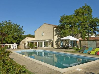 Photo for Semi-detached house, La Tour-d'Aigues  in Vaucluse - 7 persons, 3 bedrooms