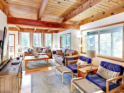 Living Room - Welcome to South Lake Tahoe! Start a cozy fire in the corner gas-burning stove fireplace.