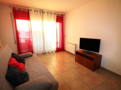 Photo for Roses: pre-owned apartment in central Roses