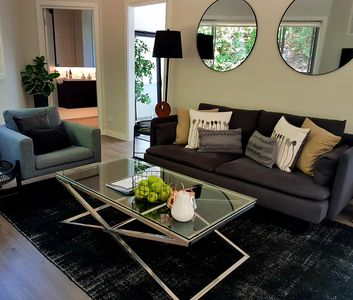 Photo for Stylish Tree Top Hideaway