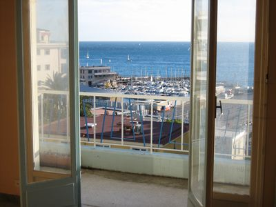 Photo for Beautiful apartment with terrace and sea view.