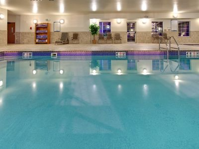 Photo for 10 Minutes from the Zoo | Indoor Pool + Hot Tub + Free Breakfast