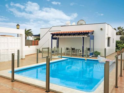 Photo for 3 bedroom Villa, sleeps 5 in Corralejo with Pool and WiFi