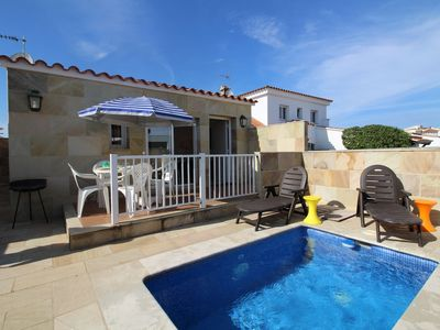 Photo for House with small pool and outdoor parking in quiet