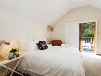 Photo for Exclusive House 10 minutes from Sydney City