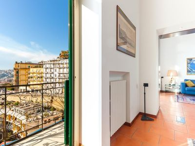 Photo for Apartment in the center of Naples with Internet, Lift (912740)