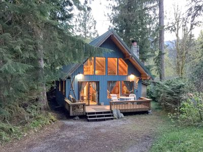 Photo for Mt Baker Rim Cabin #53 - Hot Tub - Wi-Fi - Sleeps 6