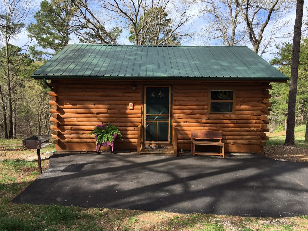 Eureka springs log cabin retreat stay 3 nights and get for Log cabin retreat