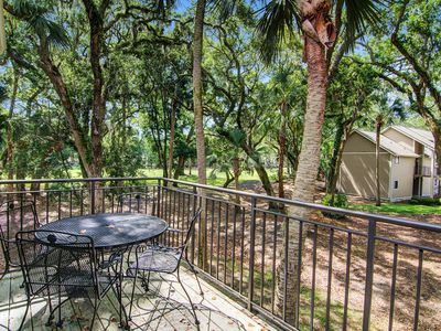 Photo for Villa with golf & woods views, easy bike ride to the beach and Seabrook Club!
