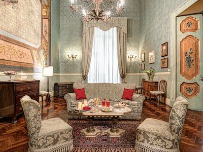 Photo for Lady Mary's Tribunali Luxury Suite - Naples Historical Centre