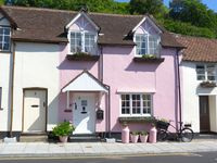 Great Location and lovely cottage