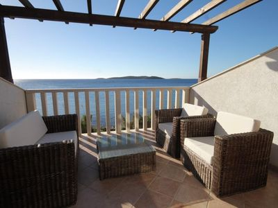 Photo for One bedroom apartment near beach Milna (Vis)