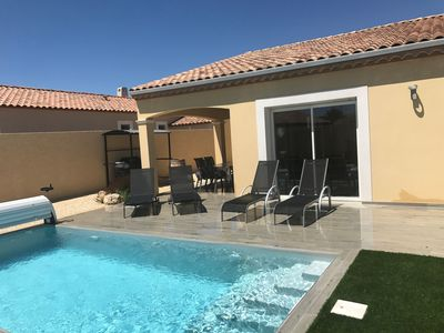 Photo for Near PEZENAS, single storey villa with private pool