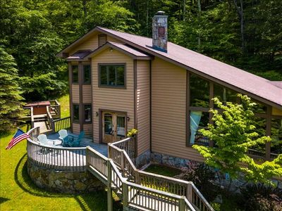Photo for Spacious 4bd 2.5 ba well kept Private Mountain Retreat! Hot Tub, Pool Table