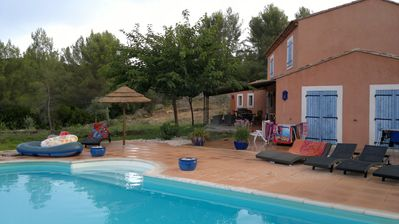 Photo for Provencal villa, pleasant and relaxing area in the countryside