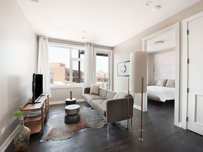 Photo for Airy 2BR in Lakeview by Sonder