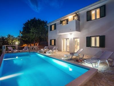 Photo for Villa Panoramica with private pool and perfect privacy for up to 10 persons.