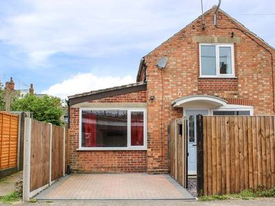 Photo for ANVIL COTTAGE, pet friendly in Melton Constable, Ref 951866