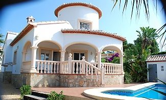Photo for Modern Detached Villa With Pool, South-Facing Garden And Panoramic Sea Views