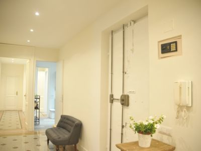 Photo for Charming and cozy apartment in the heart of Rome and St Peter's dome view