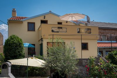 Attractive rustic Holiday house - private jacuzzi, spacious balcony and terrace, beautiful view - 1